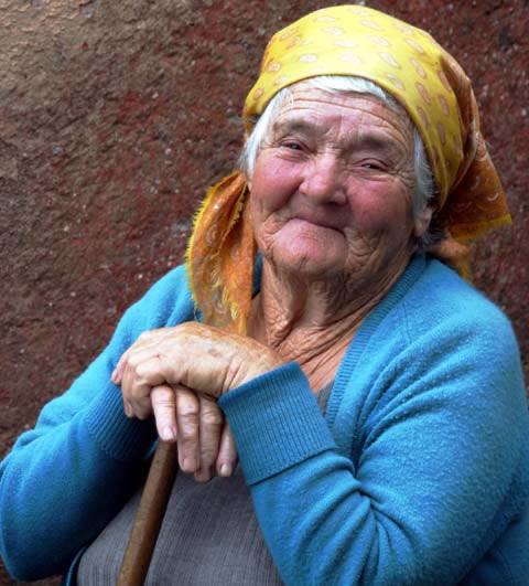 http://terrystuff.files.wordpress.com/2007/12/old-woman-madeira.jpg